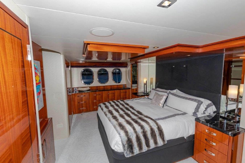 Master  2013 HATTERAS  Motor Yacht 2711389