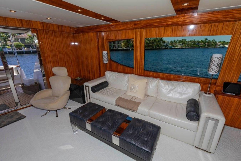 Salon Seating 2013 HATTERAS  Motor Yacht 2711394