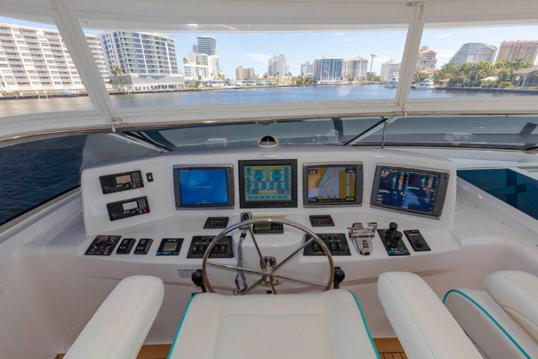 Flybridge Electronics 2013 HATTERAS  Motor Yacht 2711405