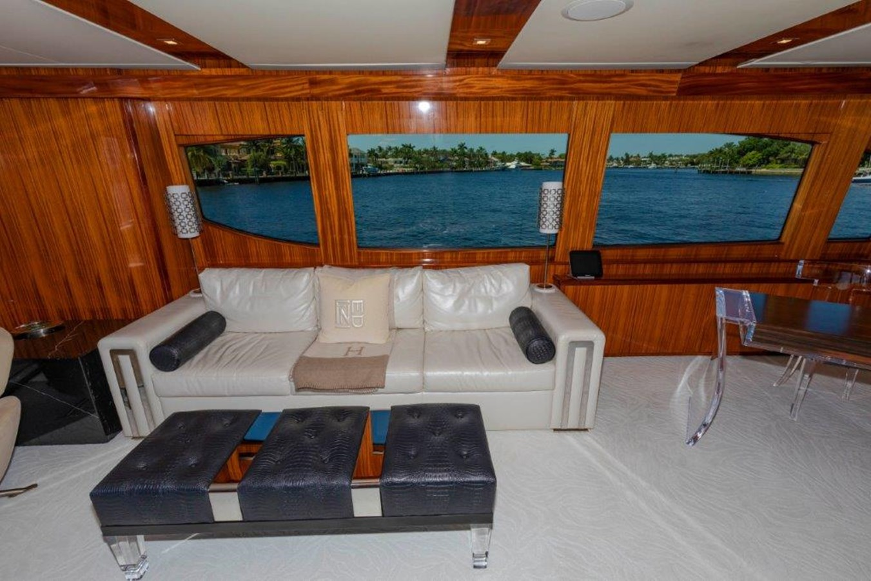 Main Salon Port  2013 HATTERAS  Motor Yacht 2711419