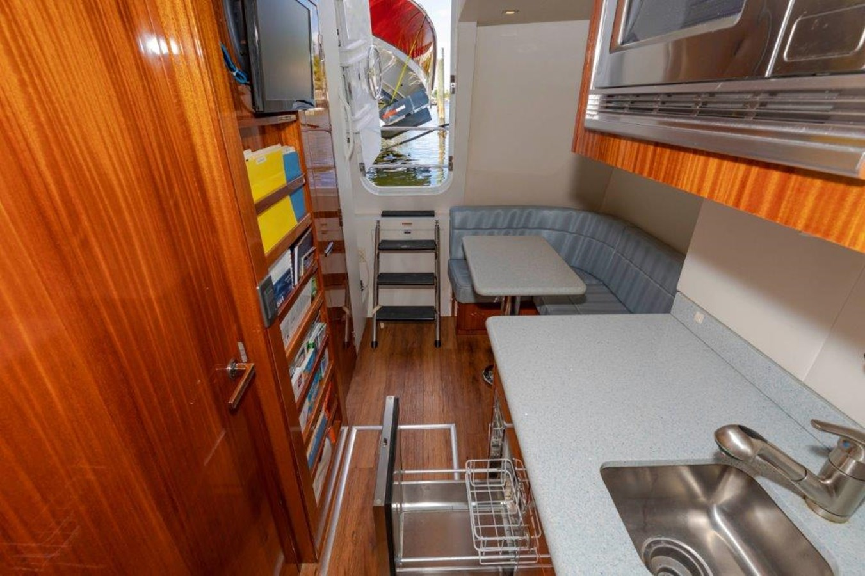 Crew  Lounge  2013 HATTERAS  Motor Yacht 2711425
