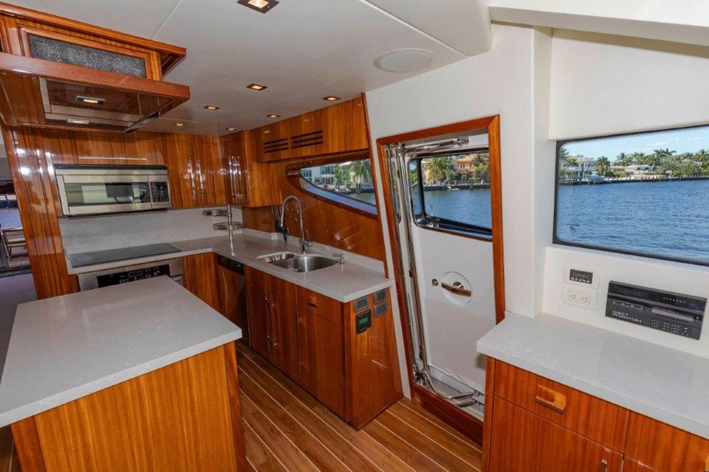 Galley  2013 HATTERAS  Motor Yacht 2711432