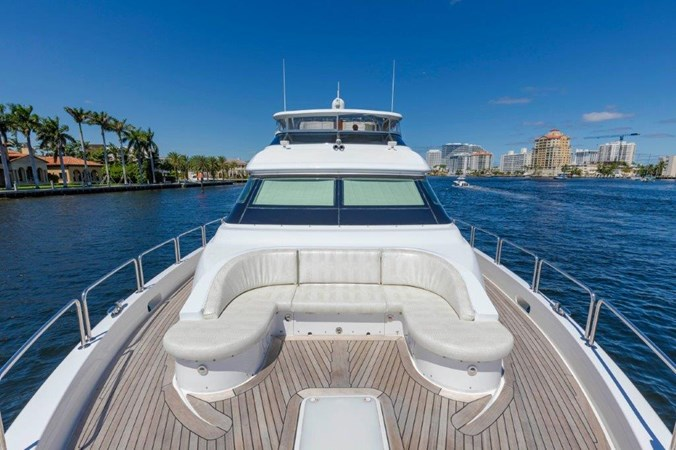 Bow Seating 2013 HATTERAS  Motor Yacht 2711354