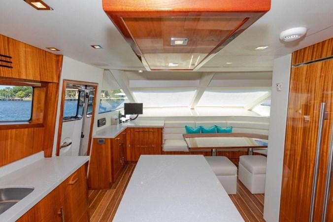 Galley  2013 HATTERAS  Motor Yacht 2711361
