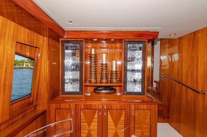Salon China Cabinet 2013 HATTERAS  Motor Yacht 2711377