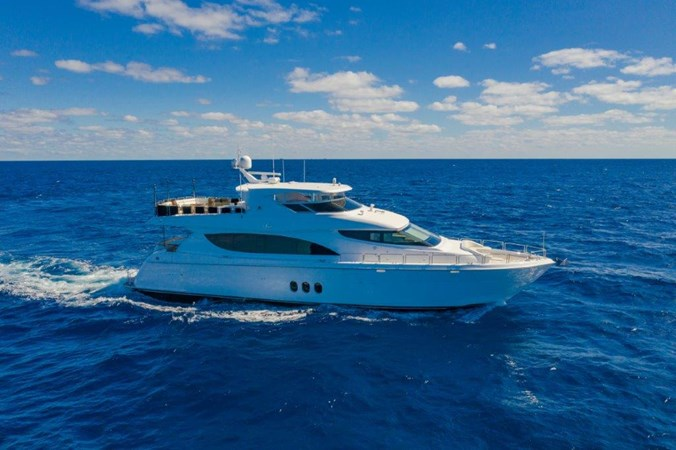 Profile at Sea 2013 HATTERAS  Motor Yacht 2711420