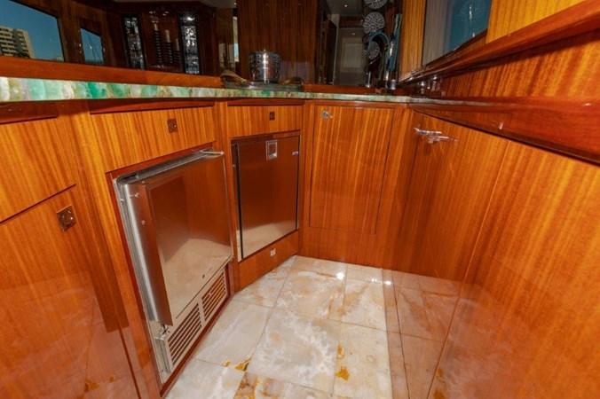 Main Salon Bar  2013 HATTERAS  Motor Yacht 2711434