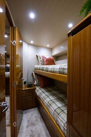 Guest Stateroom 2013 VIKING Convertible Sport Fisherman 2711555