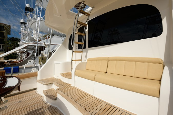 Cockpit 2013 VIKING Convertible Sport Fisherman 2711568