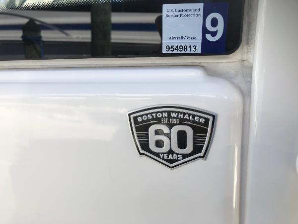 12 2018 BOSTON WHALER  Motor Yacht 2711980
