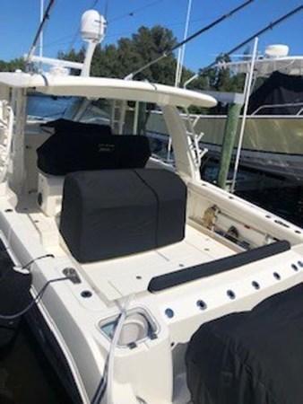 115 2018 BOSTON WHALER  Motor Yacht 2712027