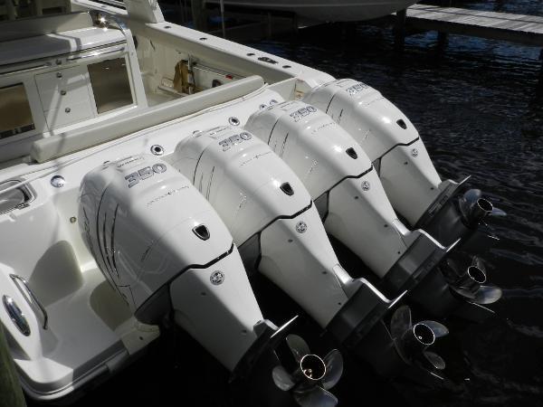13 2018 BOSTON WHALER  Motor Yacht 2712028