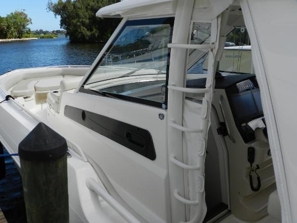 18 2018 BOSTON WHALER  Motor Yacht 2712045