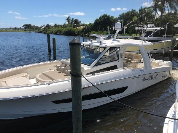 11 2018 BOSTON WHALER  Motor Yacht 2712054