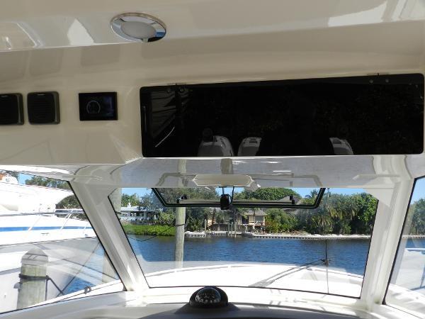 28 2018 BOSTON WHALER  Motor Yacht 2712057