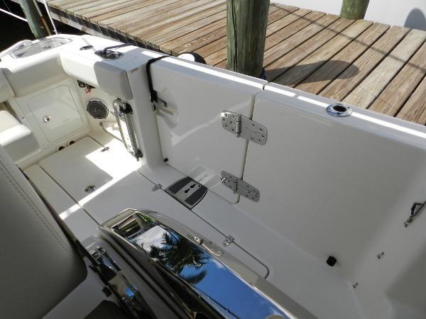 71 2018 BOSTON WHALER  Motor Yacht 2712061