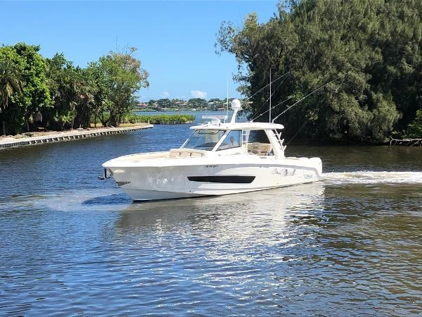 3 2018 BOSTON WHALER  Motor Yacht 2712065