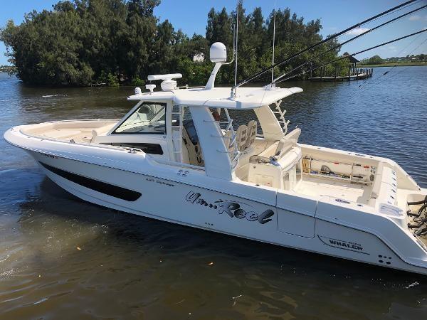 10 2018 BOSTON WHALER  Motor Yacht 2712066