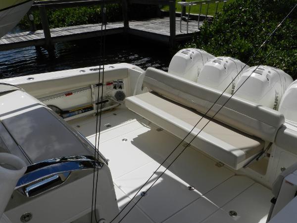 25 2018 BOSTON WHALER  Motor Yacht 2712076