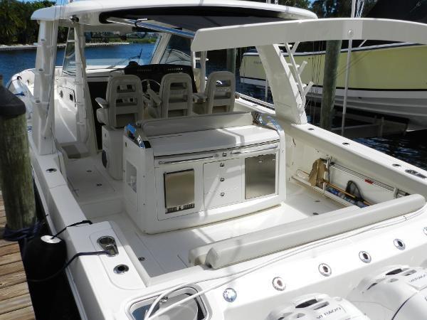 14 2018 BOSTON WHALER  Motor Yacht 2712078