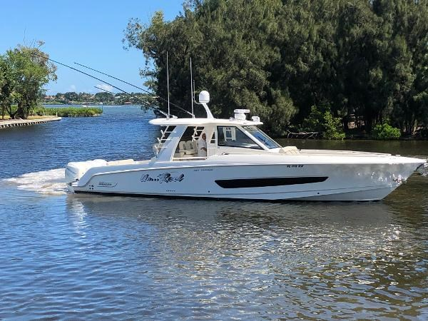 6 2018 BOSTON WHALER  Motor Yacht 2712087