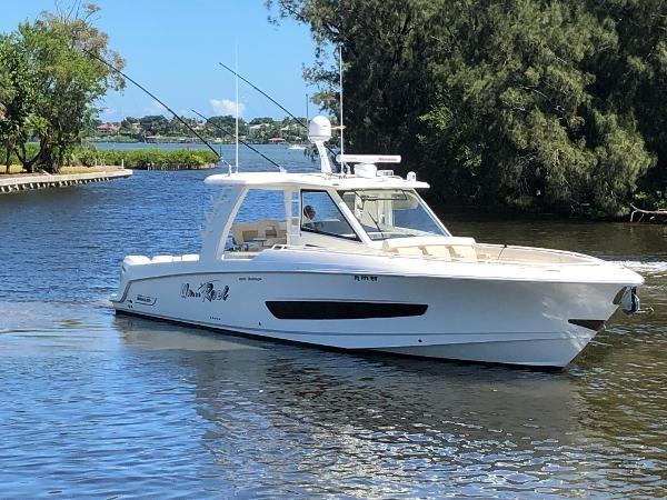119 2018 BOSTON WHALER  Motor Yacht 2712093