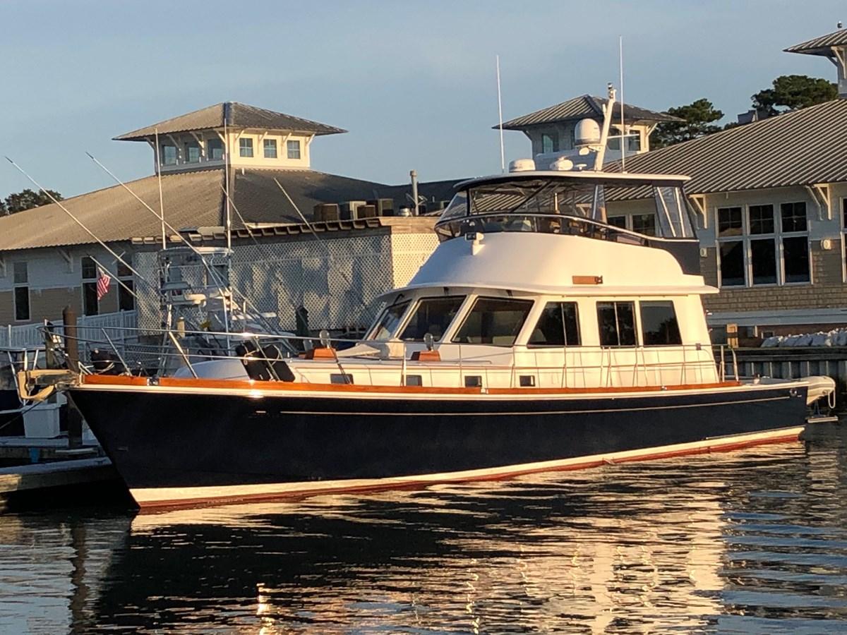 109 2004 GRAND BANKS 58 Eastbay Motor Yacht 2713345