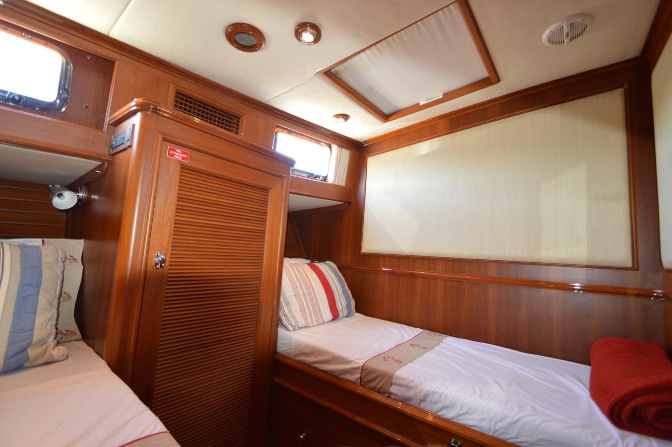 70 2004 GRAND BANKS 58 Eastbay Motor Yacht 2713459