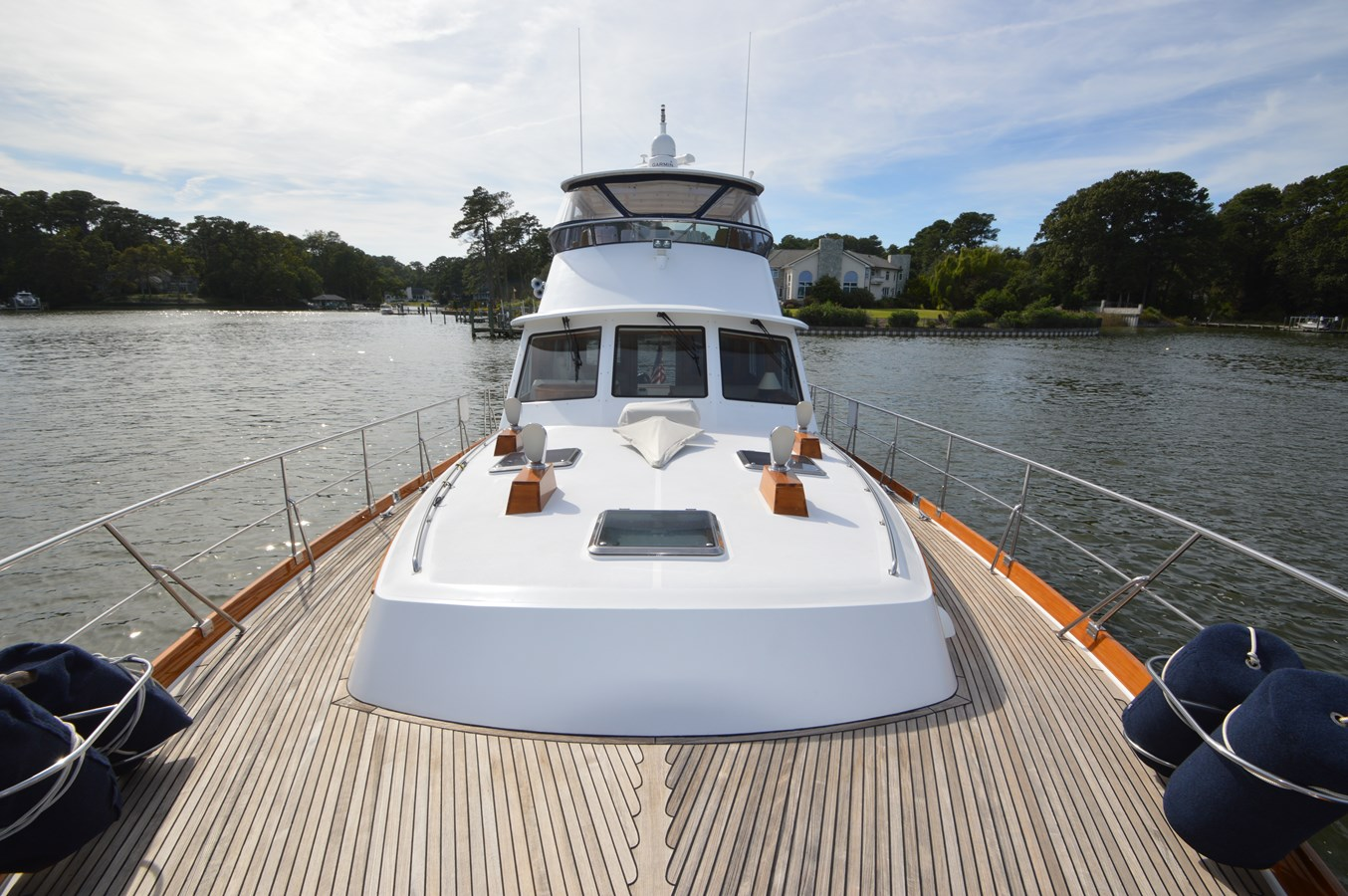 17 2004 GRAND BANKS 58 Eastbay Motor Yacht 2713667