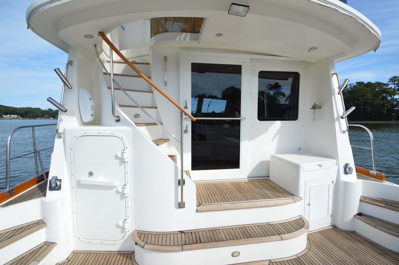 24 - 58 GRAND BANKS For Sale