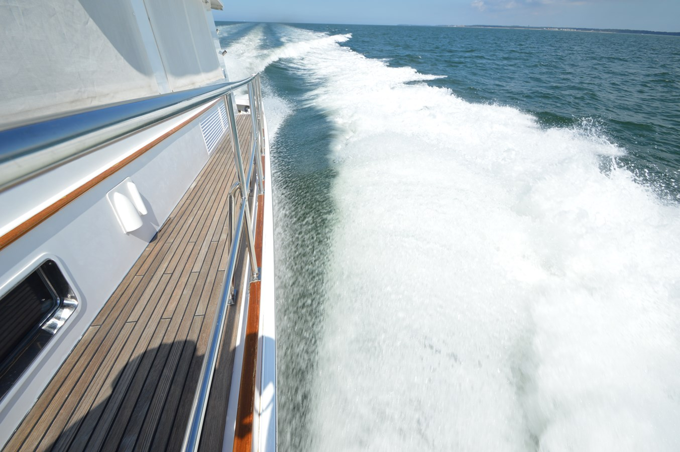 15 2004 GRAND BANKS 58 Eastbay Motor Yacht 2713671