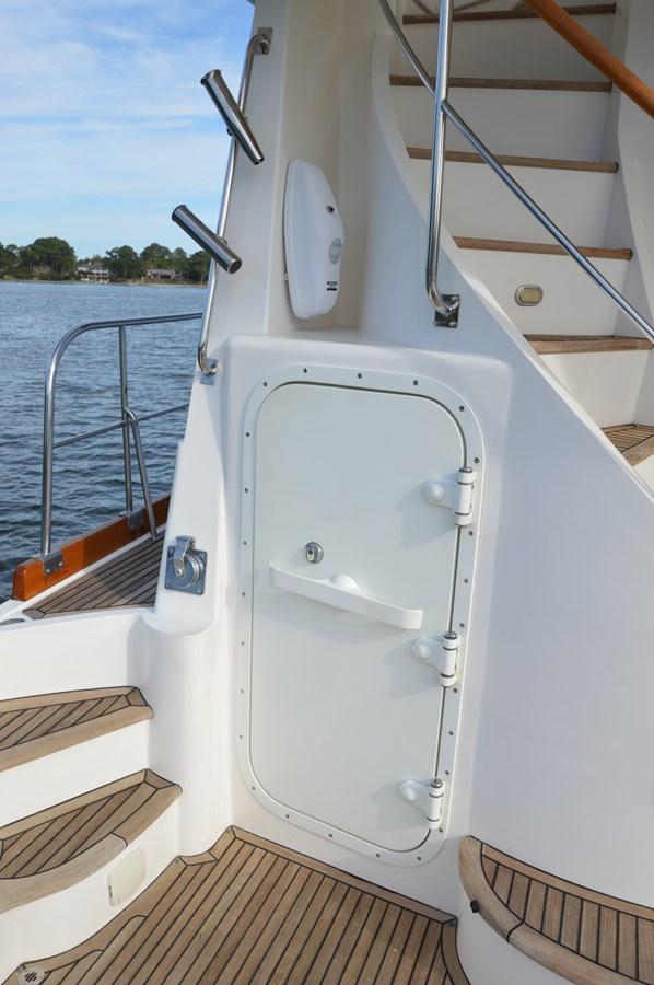 30 2004 GRAND BANKS 58 Eastbay Motor Yacht 2713675