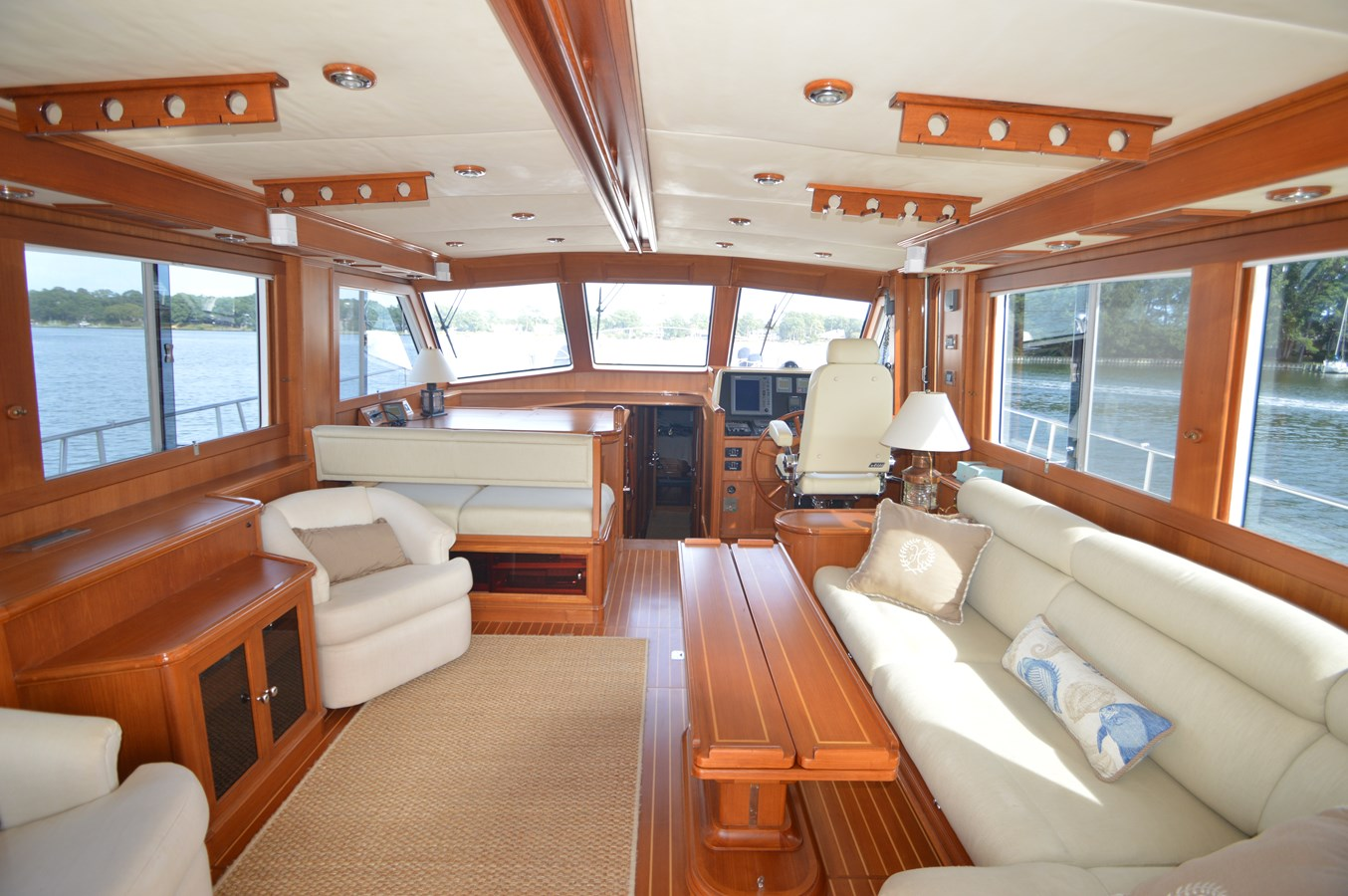 35 2004 GRAND BANKS 58 Eastbay Motor Yacht 2714695