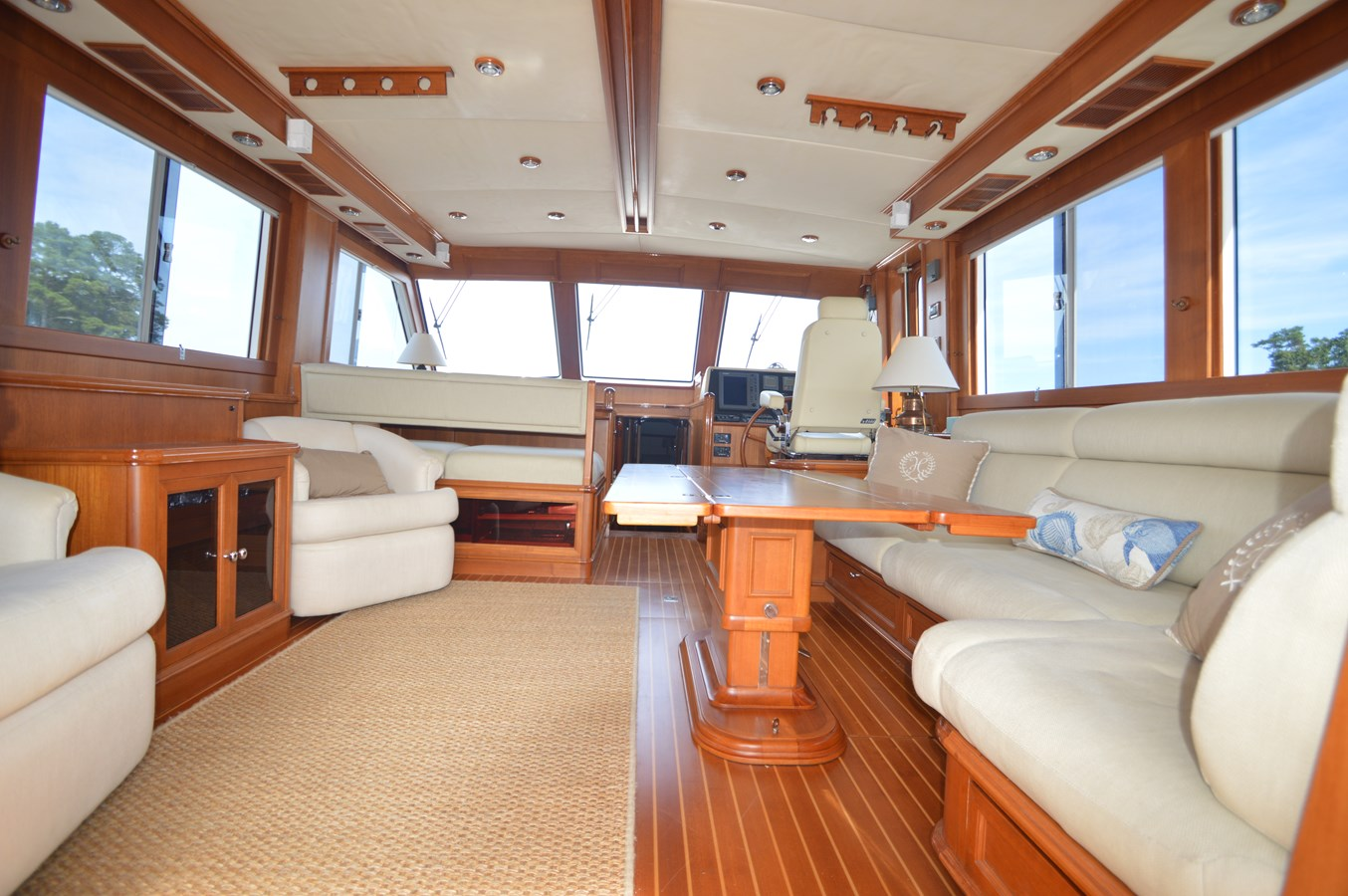 39 2004 GRAND BANKS 58 Eastbay Motor Yacht 2714698