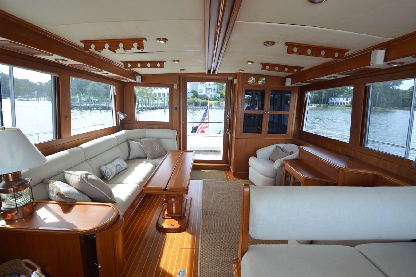 44 2004 GRAND BANKS 58 Eastbay Motor Yacht 2714703