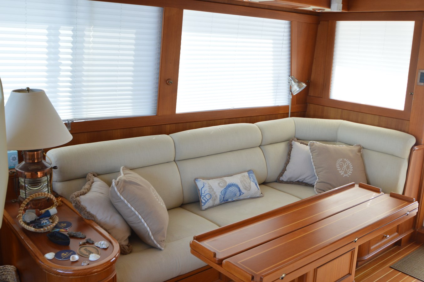51 2004 GRAND BANKS 58 Eastbay Motor Yacht 2714776