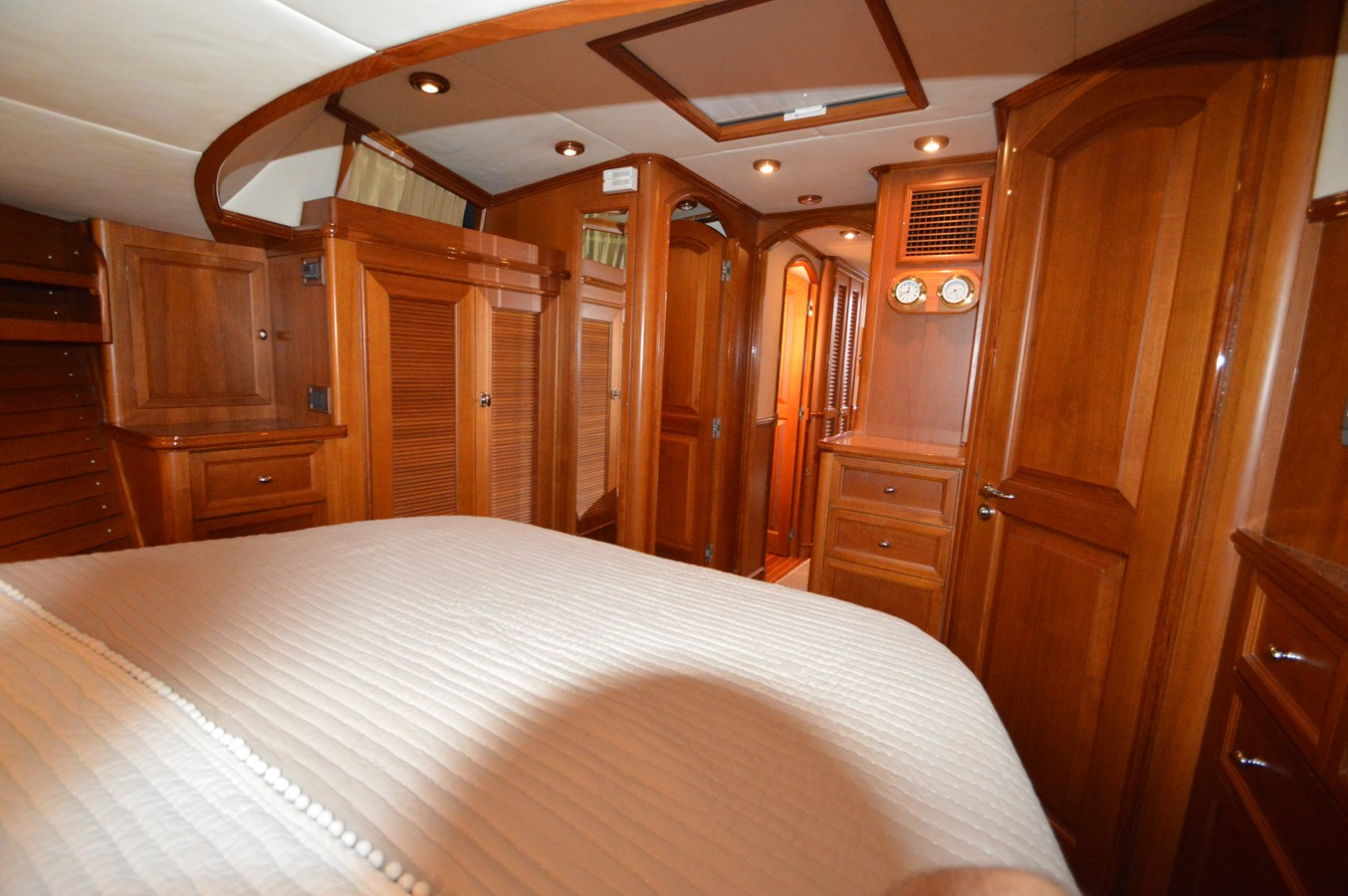 58 2004 GRAND BANKS 58 Eastbay Motor Yacht 2714783