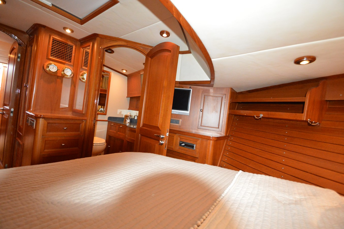 60 2004 GRAND BANKS 58 Eastbay Motor Yacht 2714786