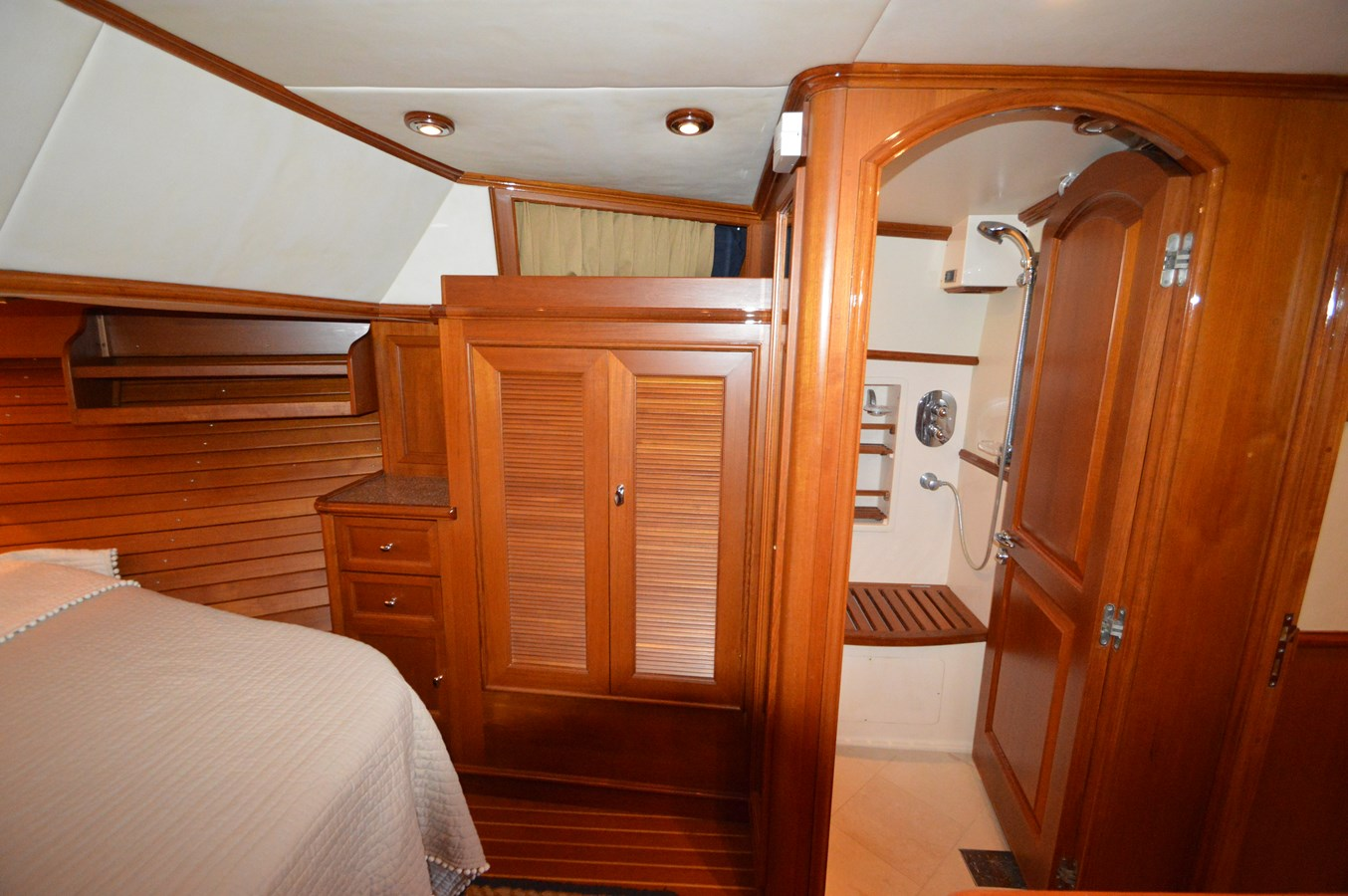 61 - 58 GRAND BANKS For Sale