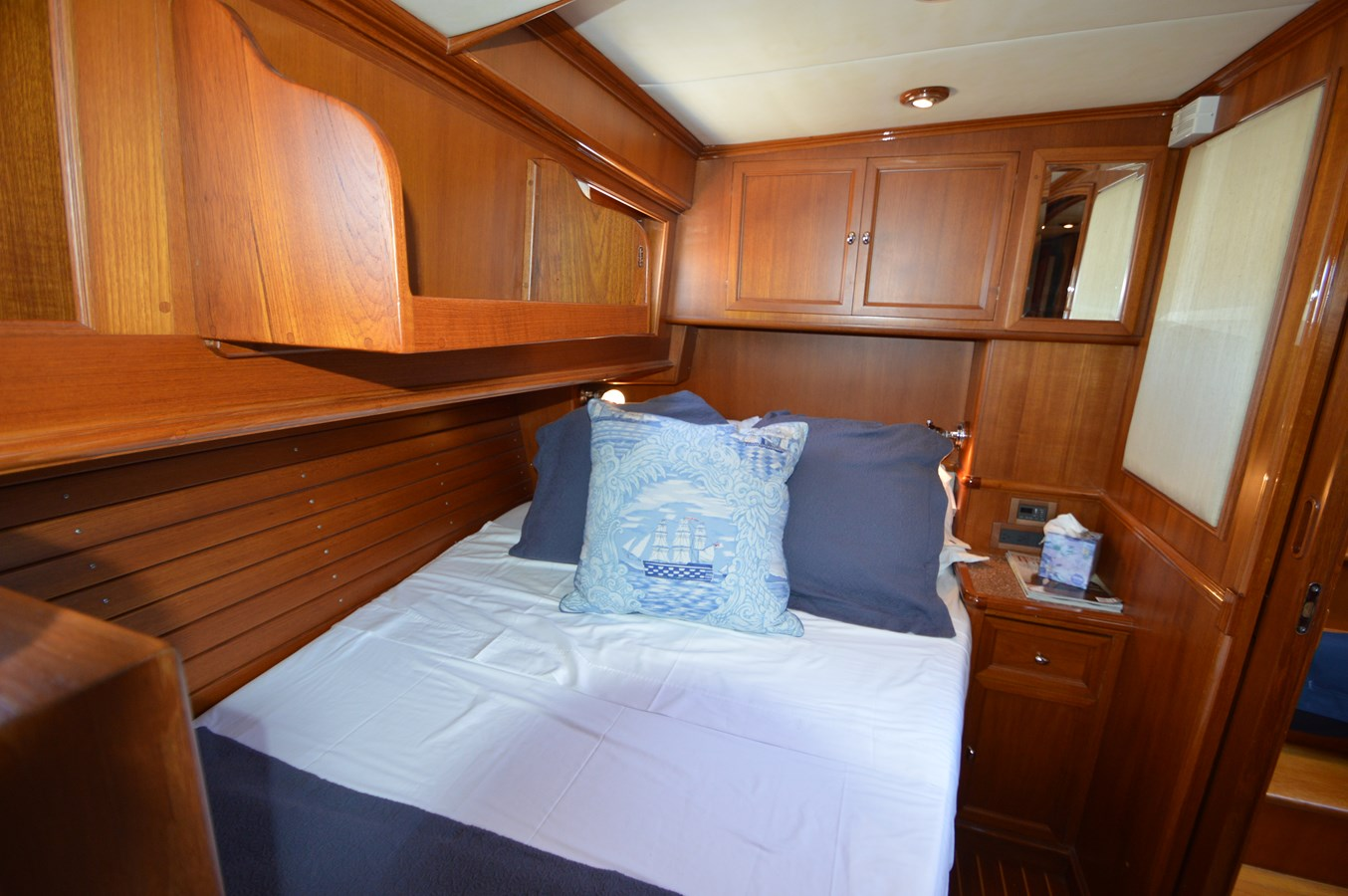 66 2004 GRAND BANKS 58 Eastbay Motor Yacht 2714793