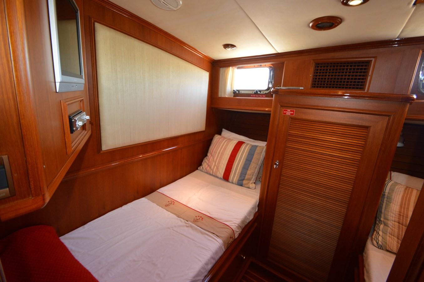 72 2004 GRAND BANKS 58 Eastbay Motor Yacht 2714798