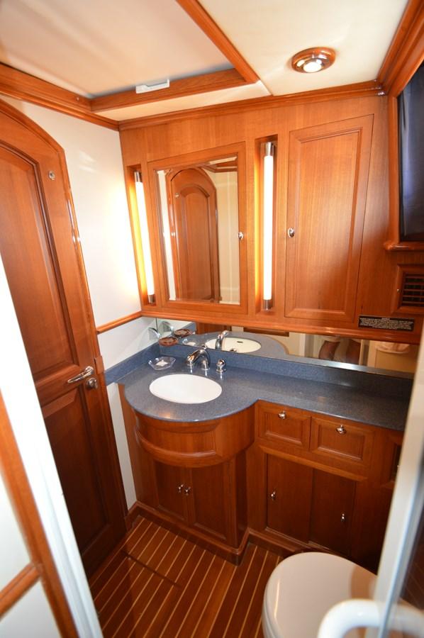 74 2004 GRAND BANKS 58 Eastbay Motor Yacht 2714800