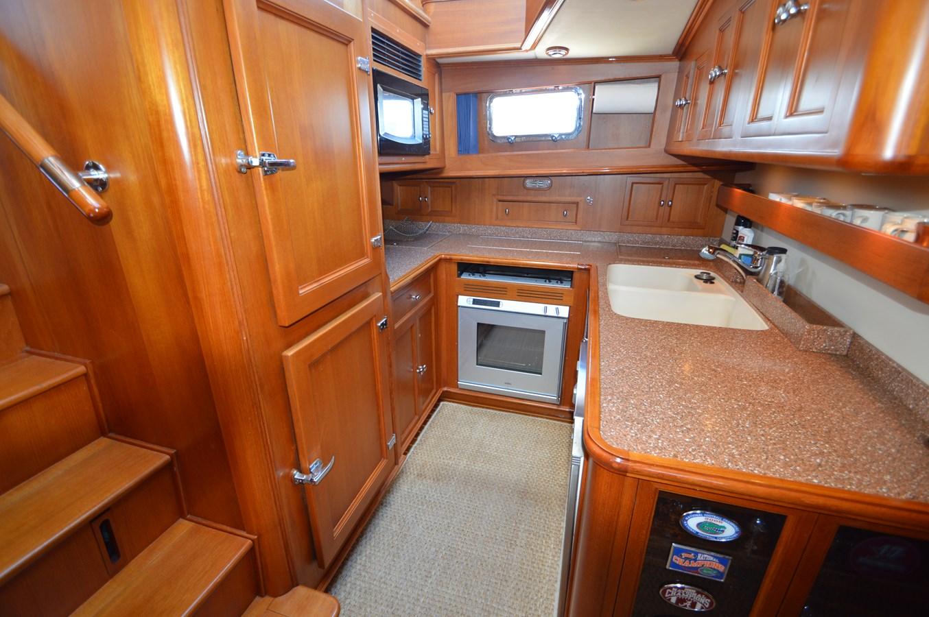 78 2004 GRAND BANKS 58 Eastbay Motor Yacht 2714804