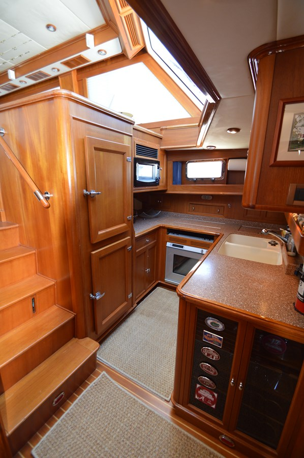 79 2004 GRAND BANKS 58 Eastbay Motor Yacht 2714805