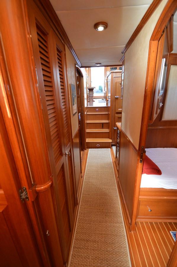84 2004 GRAND BANKS 58 Eastbay Motor Yacht 2714810