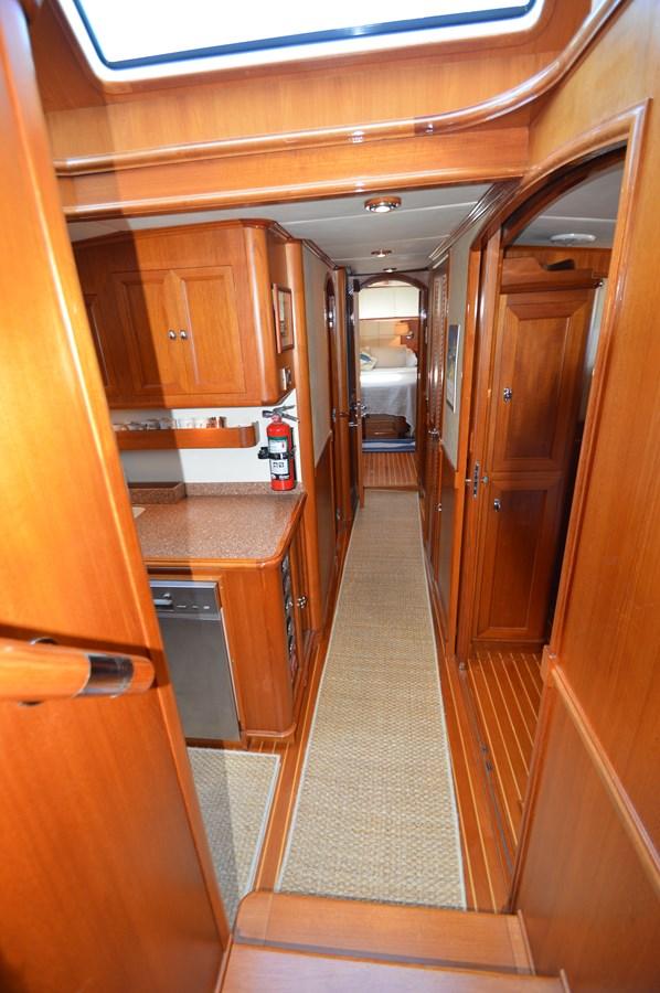 85 2004 GRAND BANKS 58 Eastbay Motor Yacht 2714811