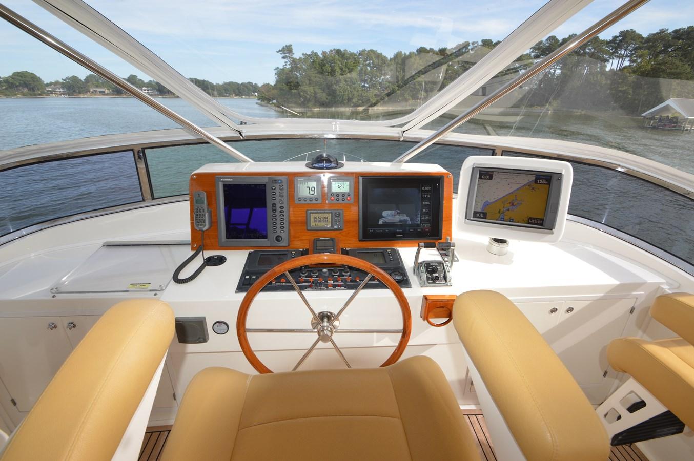 89 2004 GRAND BANKS 58 Eastbay Motor Yacht 2714814