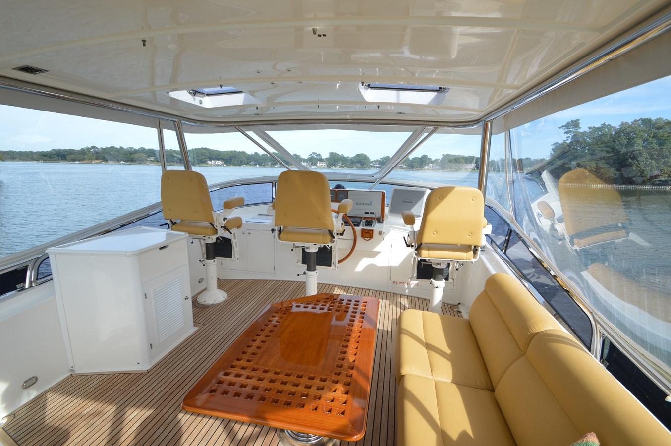 91 2004 GRAND BANKS 58 Eastbay Motor Yacht 2714816
