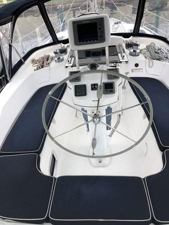 IMG_5558 2010 HUNTER Center cockpit 50 Center Cockpit 2719936