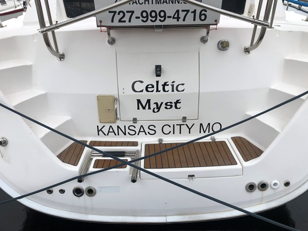 IMG_5554 2010 HUNTER Center cockpit 50 Center Cockpit 2719941
